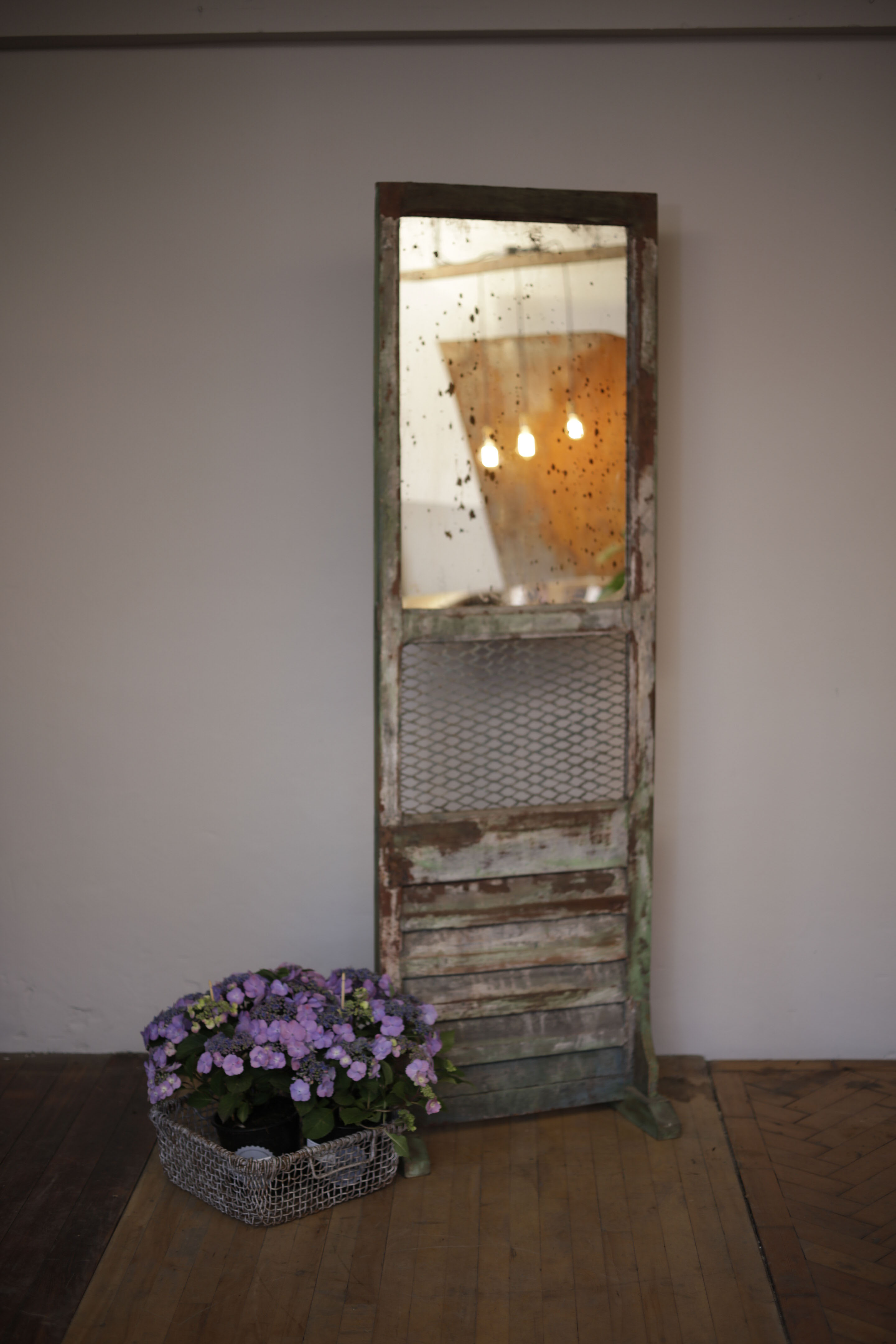 Vintage Distressed Freestand Mirror